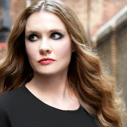 This week one of the UK's finest, Polly Gibbons joins Ian Shaw on the Ronnie Scott's Radio Show.