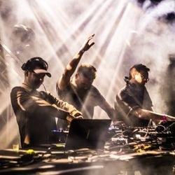 Maceo Plex (Ellum Audio) b2b Tale Of Us (Visionquest, Life and Death) @ Dalt Vila Ibiza (26.05.2017)