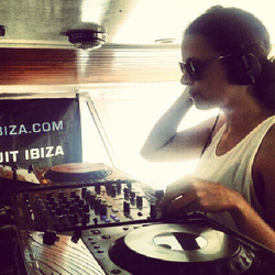 MICHELLE OWEN / Cirque de la Nuit boat party / 05.07.2013 / Ibiza Sonica