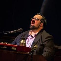 This week's Ronnie Scott's Radio Show features part 1 of Ian Shaw's interview with Joey DeFrancesco.