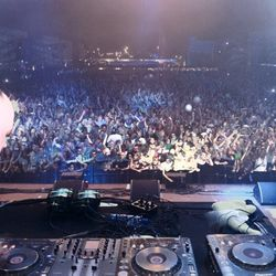 DJ MK -DJ SKULLY - CHRISTMAS DAY - KISS FM 2003