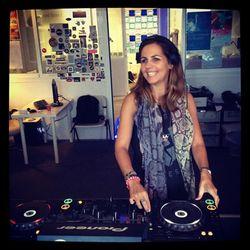 ANJA SCHNEIDER - IBIZA SONICA STUDIOS GUEST MIX - SHOW - 04 / 10 / 2013