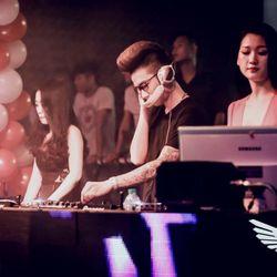NST - Yêu Là Bao Cao Su - Thành Kòi Deejay On The Mix