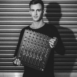 Fabio Florido @ Grelle Forelle,Vienna (12.11.16) W/ PLAYdifferently: MODEL 1
