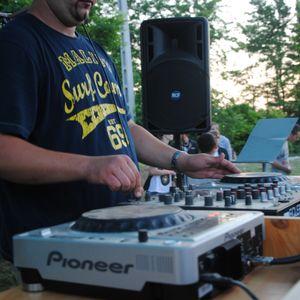 Brumi  - Live @ Majsi Erdészházi Bulik: Outdoor Summer Party 2012.06.23