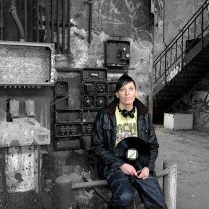 JANE ROCKINFAMOUS 29.04.12- MINIMAL MEETS DARK STYLE