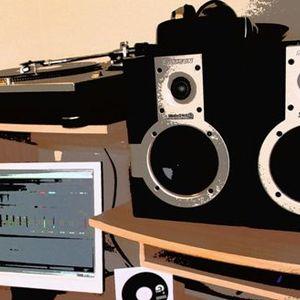 Luis D Aguiar - (Tech House Sound Mix Septiembre 2010)