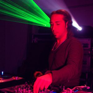 Cristian Varela -  phs03 Mix 2010 - for 'The Revolution Continues with Carl Cox @ Space Ibiza'