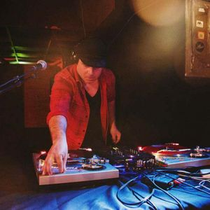 DJ INNCK   .   Spinal Trap (This one goes to eleven) 2013