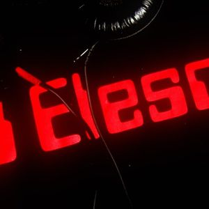 Elesco - It's a Teknival (10-06-11) Part 1
