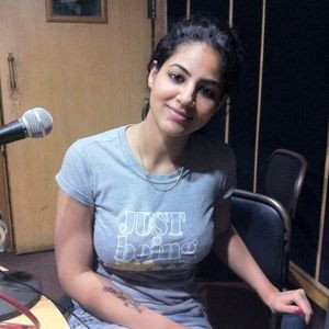 ANNIE KHALID MAST FM 103 INTERVIEW BY DR EJAZ WARIS 5TH JUNE 2011