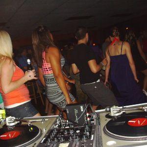Dj Uniique Mixing Live At Fridays Mesh New Bern Ladies Night
