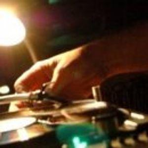 Russ B Live MoveDaHouse Radio 09/8/12