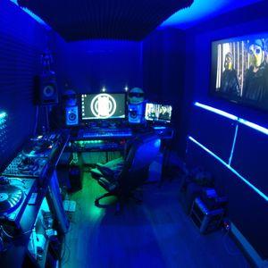 076 // The YellowHeads Studio Mix // 076