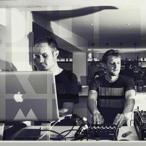 Roberto Calzetta & Twin Soul - Diynamic Radio Show August (2015-08)