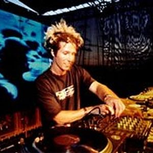 01-josh_wink-essential_mix_live_from_miami_(wmc)-sat-02-04-2006-1king