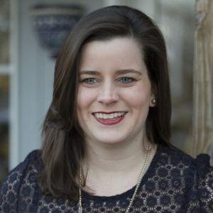38: Getting to Know Julie Daniel,  Interior Designer, Talking About  E-Design