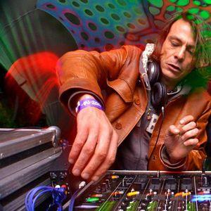 Alex de Saint in to -dub step and drum+bass live mix 2012
