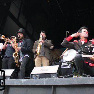 Radio Faro entrevista a Triciclo Circus Band el día 27 de Junio 2015 con motivo de Los Xv del Faro.