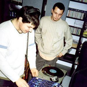 Paul Hubiss & Mischa - Live on radio Kiss Publikum (15.09.2001)