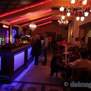 peter - colorful saturdays at casablanca cafe 01