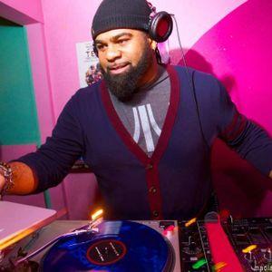 DJ Kwest-on live mix on White Label Radio 89.3 FM WNUR Chicago