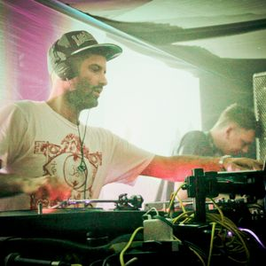Om Unit B2B Kutmah @ Tempo Clash 1st Birthday May 2012