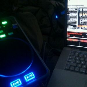 230 am : in bed with the vestax vci 3oo..how sexy!