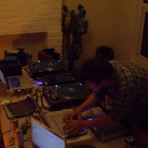 Donky X Hivemind Vol 12 (Ital Tek in the studio)