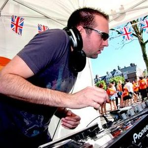 presenting HARRY HUNT the Deep & Tech Mix May 2012