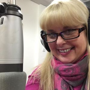 Psychic Beth's Spiritual Calling Show 27-03-19. Beth chats to Intuitive 'Amy Vasterling'