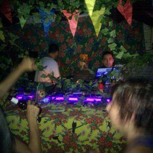 tropico electronico!!!  Kazike en estado de trance.