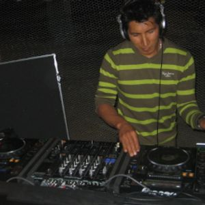 Tech Minimal continuo - Mâtrïc dj ( Ecuador 2012 Bar Blue Dopphin)