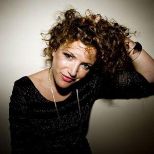 Annie Mac - BBC Radio1 (08-10-2012)