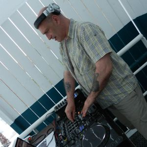 pump up the club speciale with guest dj derek 3 sept 2012