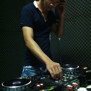 DJ Hồng Sky