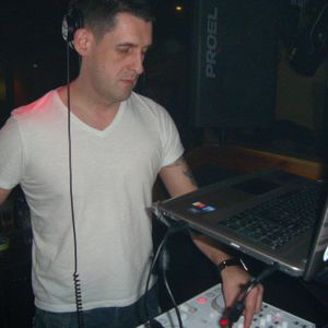 KEVIN HOODLESS LIVE @ GROOVE 23/6/2012