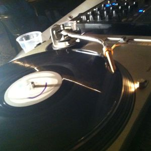 9 LUGLIO 2012 (Chillout Session)KRYPTONICADJS/ANDREA BULGARI DJ@CERINGHUITO OPEN AIR