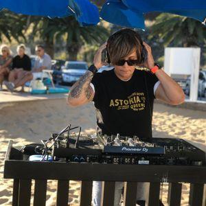 DJ LUUH IN THE HOUSE RADIO SHOW # 33