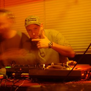 khy boogie - playvybz radio - 30.04.06