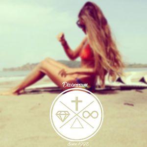 Summer Set by DVNRM