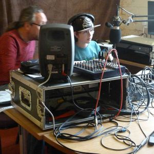 Spacecat show with Isaac. Recycle Radio 5 July 2014  1PM