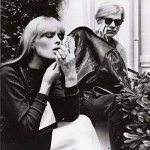 Andy Warhol e la Pop Art: nascita e declino di un'artista.