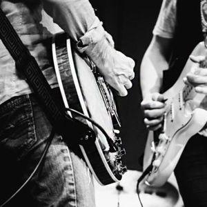 #StringsAttached // Kaj poslušajo sodobniki by Živa Jalovec @alivea