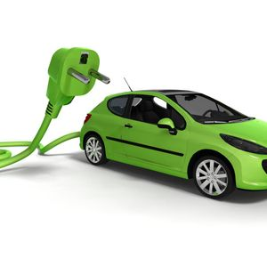 Ask Sarah with @Savvy_woman, talking about the costs of buying and running a green car with @GreenCa
