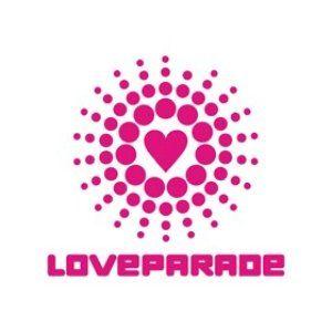 Loveparade 2007 - 16 - Roman Flügel (Siegessäule 08-05-2007)