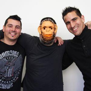 Llegando los Monos 30-04