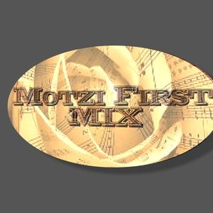 MOTZI @ HOME...