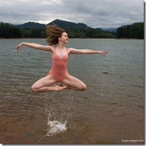 Batuhan Borhan - Dancing On The Water (June 2012 Tech House Set)