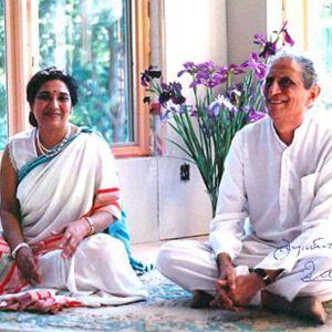 Parisamvad, 13th February 2017, Ahar, Smt. Hansaji Jayadeva Yogendra & Dr. Jayadeva Yogendra